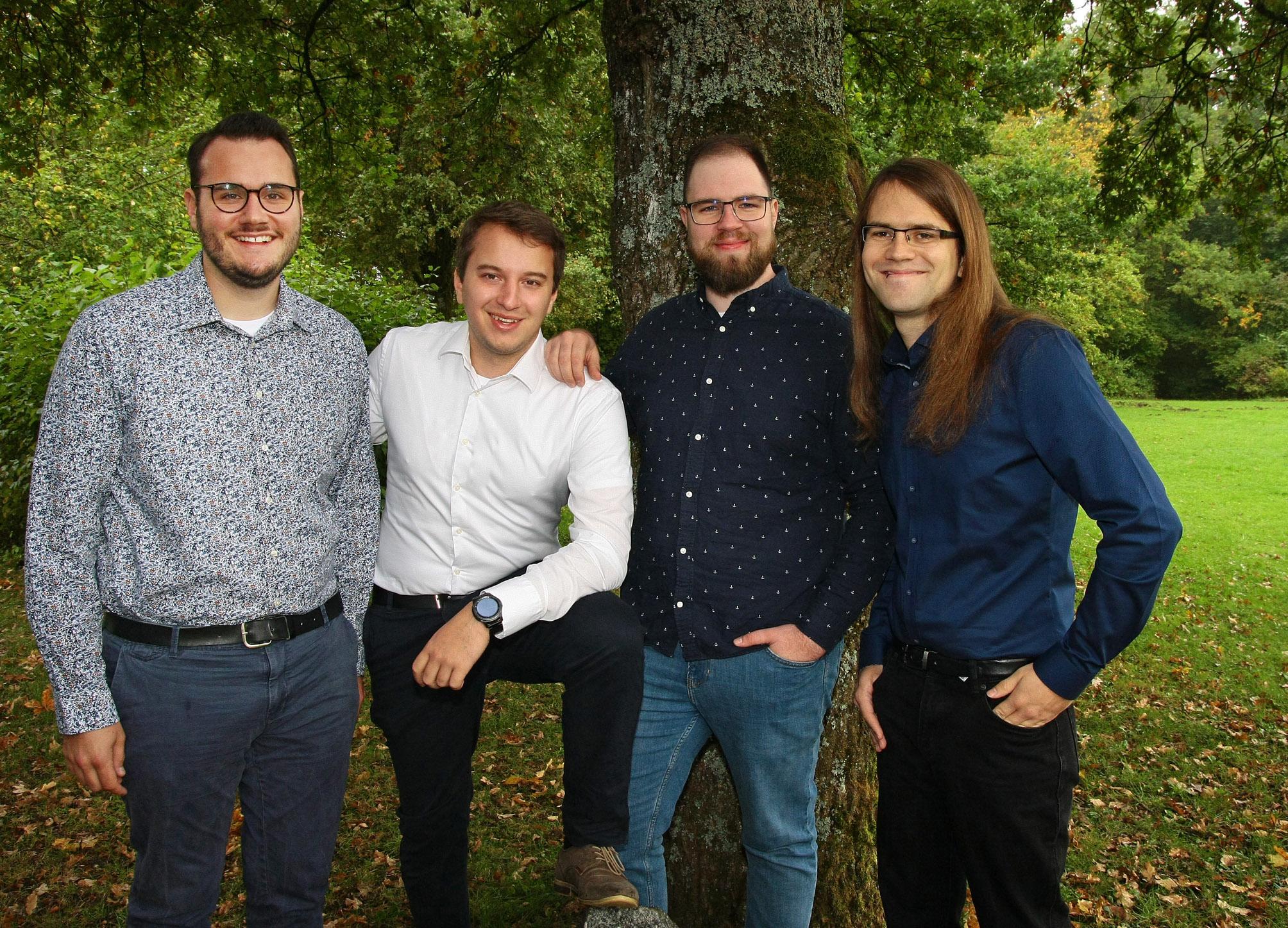 Timo Richter (23), Maximilian Hagn (25), Florian Lange (26) und Benjamin Molinaro (26) haben ihr Ziel erreicht., © Dorothée Krätzer