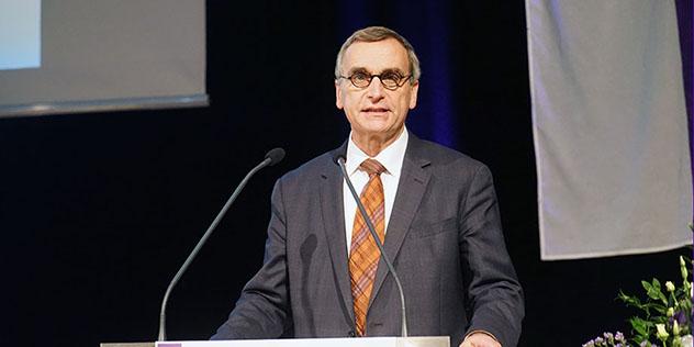 Oberkirchenrat Michael Martin