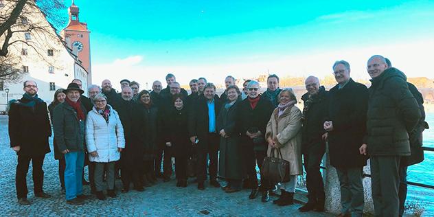 Kirchenvertreter aus Bayern und der Nordkirche tauschten sich in Regensburg miteinander über Zukunftsfragen aus.