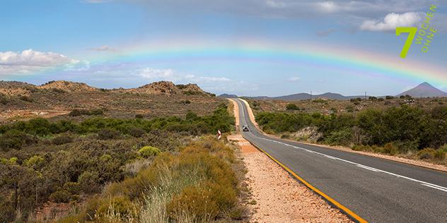 Straße auf einen Regenbogen zu, © 7 Wochen Ohne / Eva Häberle