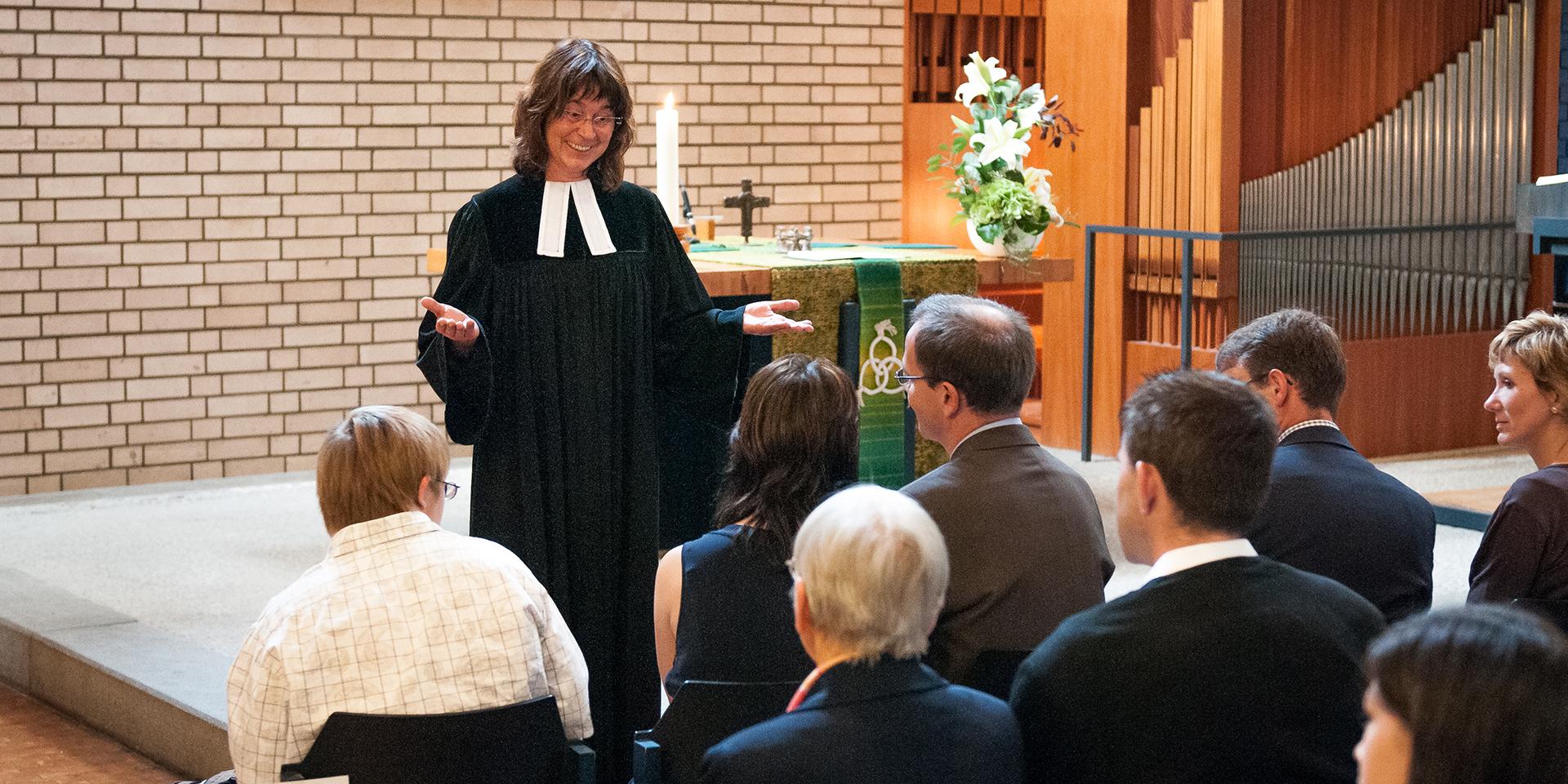 Pfarrerin predigt