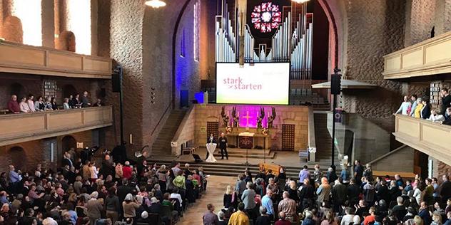 Die Kirchenvorstände in der Nürnberger Gustav-Adolf-Kirche