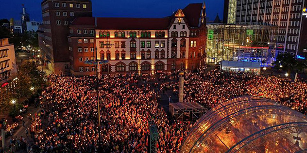 Abendsegen auf dem Friedensplatz in Dortmund, © Kirchentag